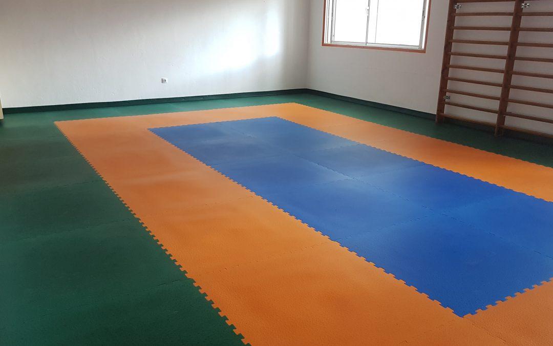 Instalación de Pavimento en la Sala  de Psicomotricidad del CEIP Dr. Juan Espino Sánchez en Ingenio