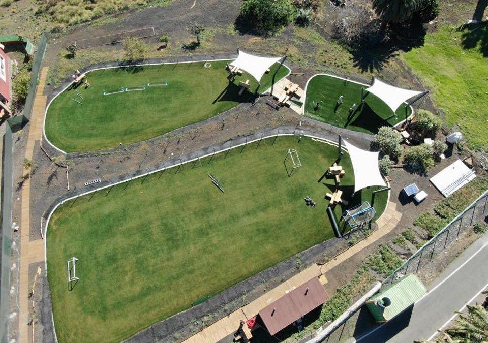 Césped artificial en el colegio Oakley Gran Canaria