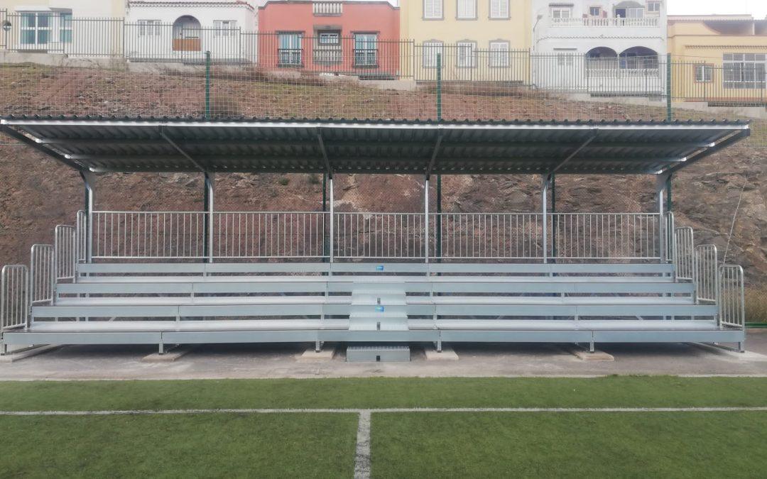Grada en el campo de fútbol de La Mayordomía en Las Palmas de Gran Canaria